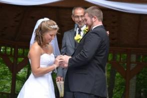 La 19 zile de la nunta, dupa un accident teribil, tanara a uitat ziua ceremoniei. Gestul emotionant facut de sot pentru ai reaminti - VIDEO