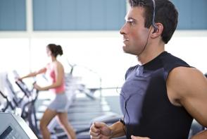 Ce muzica asculti in timpul antrenamentelor? Piese bune pentru cand faci sport - VIDEO