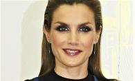 Regina Spaniei intr-o rochie transparenta si cu sutienul la vedere. Letizia a impresionat cu alegerea facuta la cel mai recent eveniment - FOTO