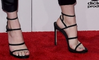 Cu picioarele neepilate, pe covorul rosu. Ce vedeta a atras critici la aparitia sa recenta - FOTO