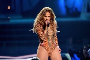Jennifer Lopez si Drake se iubesc in secret?