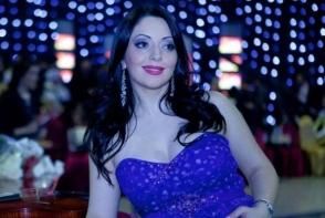 Mariana Sura, cu un decolteu de infarct! Cum s-a lasat fotografiata artista in ajun de Craciun - FOTO