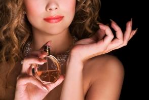 O femeie fara parfum nu are viitor. Cum iti alegi corect parfumul - FOTO