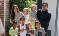 Fetita de 8 ani a Angelinei Jolie cu Brad Pitt, o papusa in miniatura. Cum a fost surprinsa aceasta - FOTO