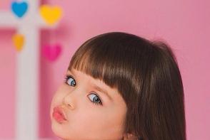 Sa fie ea cea mai frumoasa fetita din lume? Are numai 5 ani, dar deja a cucerit retelele de socializare - FOTO