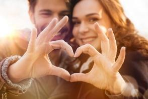 Super fericite in iubire. 3 zodii care traiesc o mare pasiune in 2017