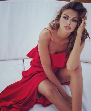 Madalina Ghenea, irezistibil de sexy intr-o tinuta minuscula:
