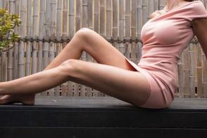 Femeia cu cele mai lungi picioare vrea sa intre in Cartea Recordurilor.  Cat de bine arata fostul model - VIDEO