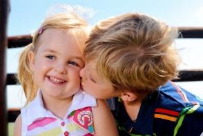 Un nou studiu! Primii nascuti au capacitati de gandire superioare urmatorilor copii din familie