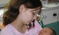 La 11 ani a devenit mamica, iar acum este insarcinata pentru a doua oara. Este un copil asteptat - FOTO