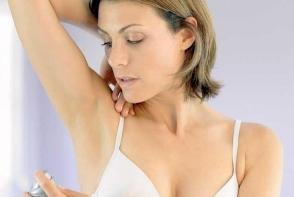 Credeai ca deodorantul este produsul minune? Vezi cat de periculos este pentru sanatate