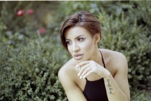 Nicoleta Nuca la bustul gol pe facebook! Fanii au ramas cu gura cascata cand au vazut ultima poza postata de artista - FOTO