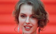 Leanka Grau, cu sanii dezgoliti in pat! Cat de sexy s-a lasat fotografiata fiica actorului Gheorghe Grau - FOTO