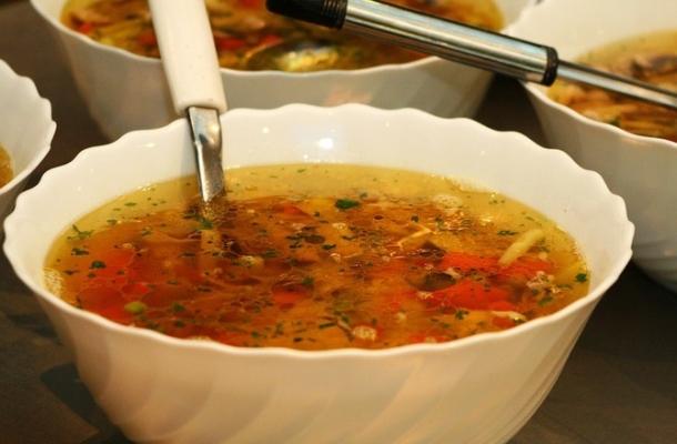 Cea mai gustoasa supa de legume! Consum-o regulat si vei putea da jos pana in 5 kilograme pe saptamana
