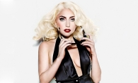 Lady Gaga, surprinsa in ipostaze tandre! Vezi cat de pasional se sarutau - FOTO