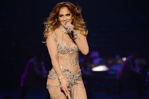 Jennifer Lopez a facut un show de zile mari! Miscarile ei au starnit hohote  publicului - VIDEO