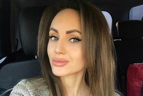 Katalina Rusu, dezgolita la estetician. Cat de sexy arata artista in lenjerie intima - FOTO