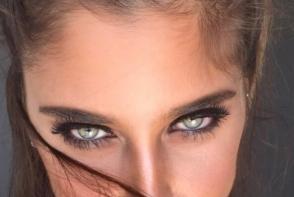 Ochii ei par ireali! Vezi tanara care face senzatie cu cei mai frumosi ochi - FOTO