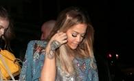 Rochia care e atat de scurta, incat zici ca e lipsa! Cum s-a descurcat Rita Ora  in fata paparazzilor - FOTO