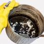 Cum se curata cel mai usor o tigaie arsa. Cratitele tale vor arata ca noi