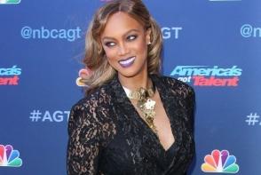 Tyra Banks, senzationala pe covorul rosu. Fostul supermodel a atras toate privirile intr-un costum transparent - FOTO
