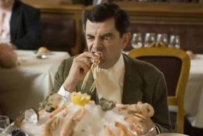 Pozele care au devenit virale pe internet intr-un timp record. Cum arata Mr Bean in postura lui Superman sau Monalisa