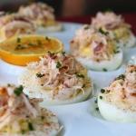Oua umplute cu crab:  un aperitiv rafinat pentru masa de Paste