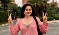 S-a intors din Dubai si e nedezlipita de fetitele sale! Iata cum a fost surprinsa Corina Tepes - FOTO