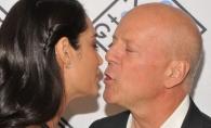 Bruce Willis, mai fericit ca oricand la 62 de ani! Cat de bine arata sotia tinerica a actorului - FOTO