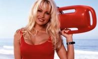 Pamela Anderson, bomba sexy la 49 de ani! A pozat pentru o reclama de lenjerie intima - FOTO