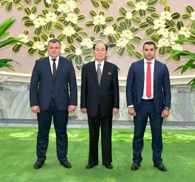 Socialistii moldoveni au ajuns in Coreea de Nord. O delegatie a PSRM s-a intalnit cu seful legislativului de la Phenian - VIDEO