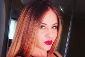 Lady in red. Tatiana Spinu, mai sexy ca niciodata - FOTO