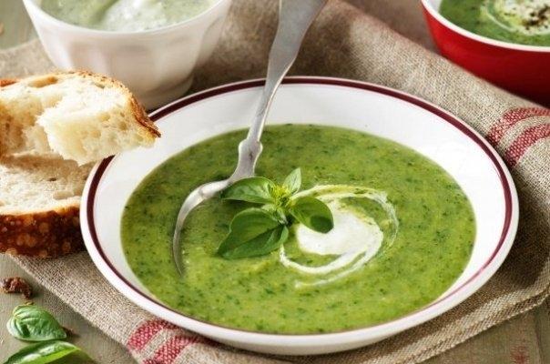 Detoxifiere dupa Paste: Supa de broccoli cu ghimbir si spanac