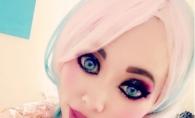 A cheltuit peste 30 000 de dolari pentru a arata ca o papusa Barbie. Ce varsta are aceasta femeie - FOTO