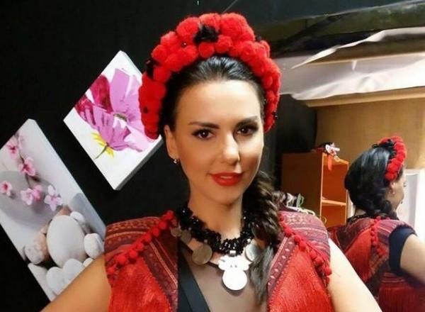 Iubita lui Stefan Banica Junior nu mai semana cu Andreea Marin! Lavinia s-a transformat intr-o roscata  - FOTO