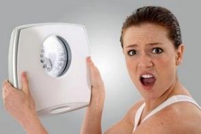 Alunga kilogramele in plus. 5 lucruri pe care sa le faci inainte de culcare ca sa pierzi in greutate