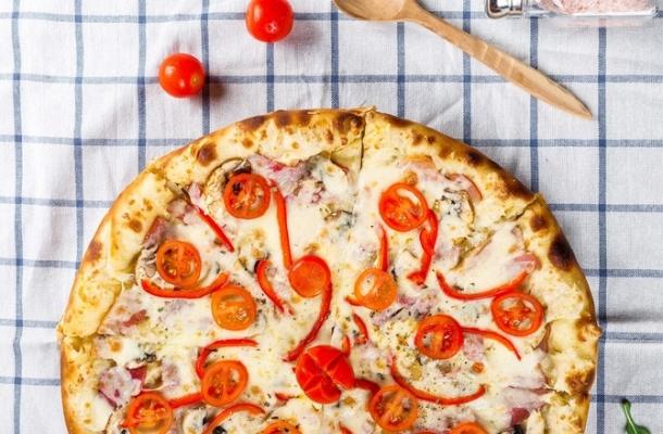 Cum sa faci o pizza sanatoasa! Incearca aceste trucuri