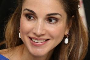 Regina Rania, stralucitoare la un eveniment caritabil. Toti au fost cu ochii pe ea - FOTO