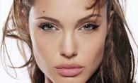 Angelina Jolie a iesit la plimbare fara lenjerie intima! Vezi ce reactie au avut admiratorii - FOTO