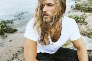 Cel mai celebru model cu barba s-a ras. Cat de radicala este transformarea pentru