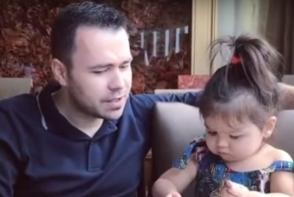 O fetita de cativa ani a devenit noua senzatie a internetului! Razi cu lacrimi - VIDEO