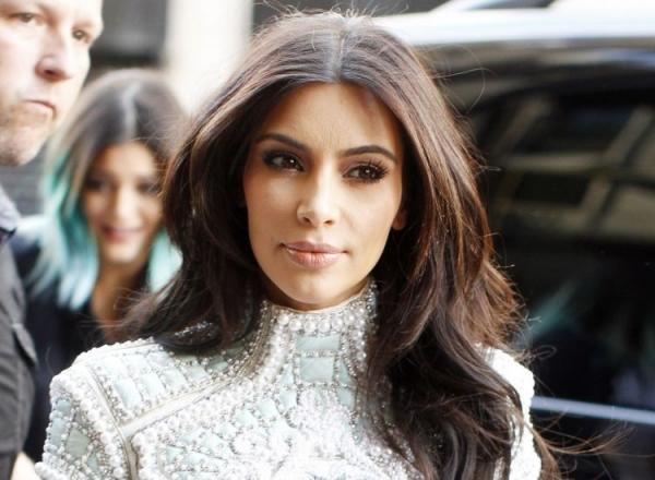 Adevarul despre siluieta lui Kim Kardashian! Cum arata vedeta atunci cand nu apare la tv - FOTO