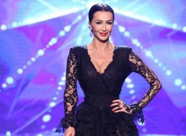 La 47 de ani face reclama la costumele de baie! Mihaela Radulescu este o femeie sexy, indiferent de varsta - FOTO