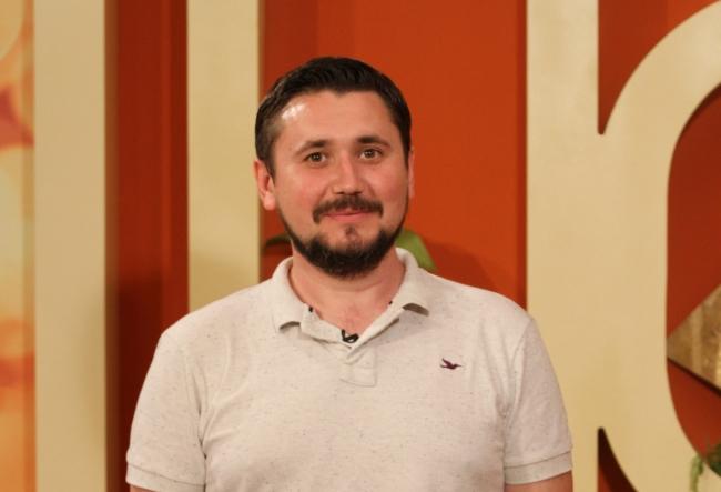 Nu ne bucuram pentru aproapele nostru. Moldovenii care au participat la festivalul TIFF din Romania nici nu s-au salutat - VIDEO