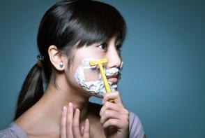 Parul de pe fata femeii arata inestetic. Vezi 6 masti care te ajuta sa scapi de firele nedorite - FOTO