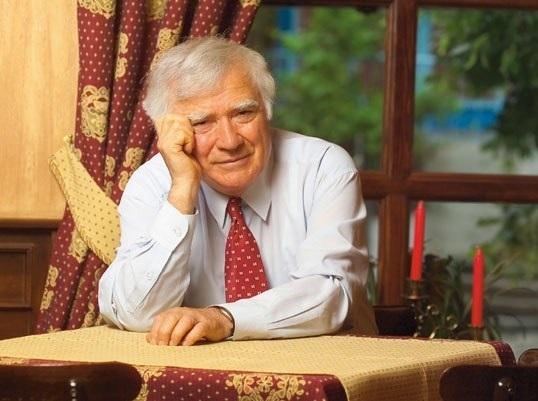 Spiridon Vangheli face astazi 85 de ani. Cum si-a sarbatorit scriitorul ziua de nastere - VIDEO
