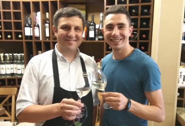 Cunoscutul wine blogger Andrei Cibotaru isi sarbatoreste astazi ziua de nastere - VIDEO