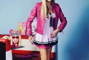 A cheltuit mii de euro ca sa semene cu papusa Barbie! Vezi cum s-a transformat timp de 11 ani - FOTO
