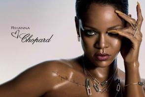 Rihanna face ravagii pe internet cu sandale fantastice! Bijuteriile costa o adevarata avere - FOTO