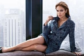 Jennifer Lopez, intr-un selfie incendiar! Aceasta si-a etalat abdomenul super tonifiat - FOTO
